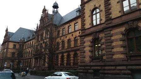 4. Juli 2016 im Landgericht Frankfurt am Main